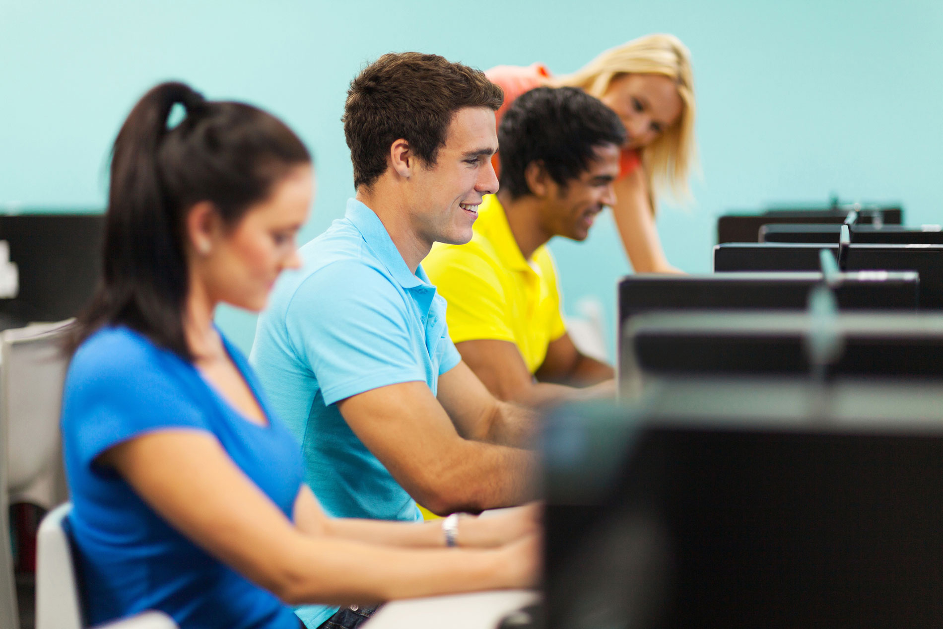Students Training in a Row of Computers